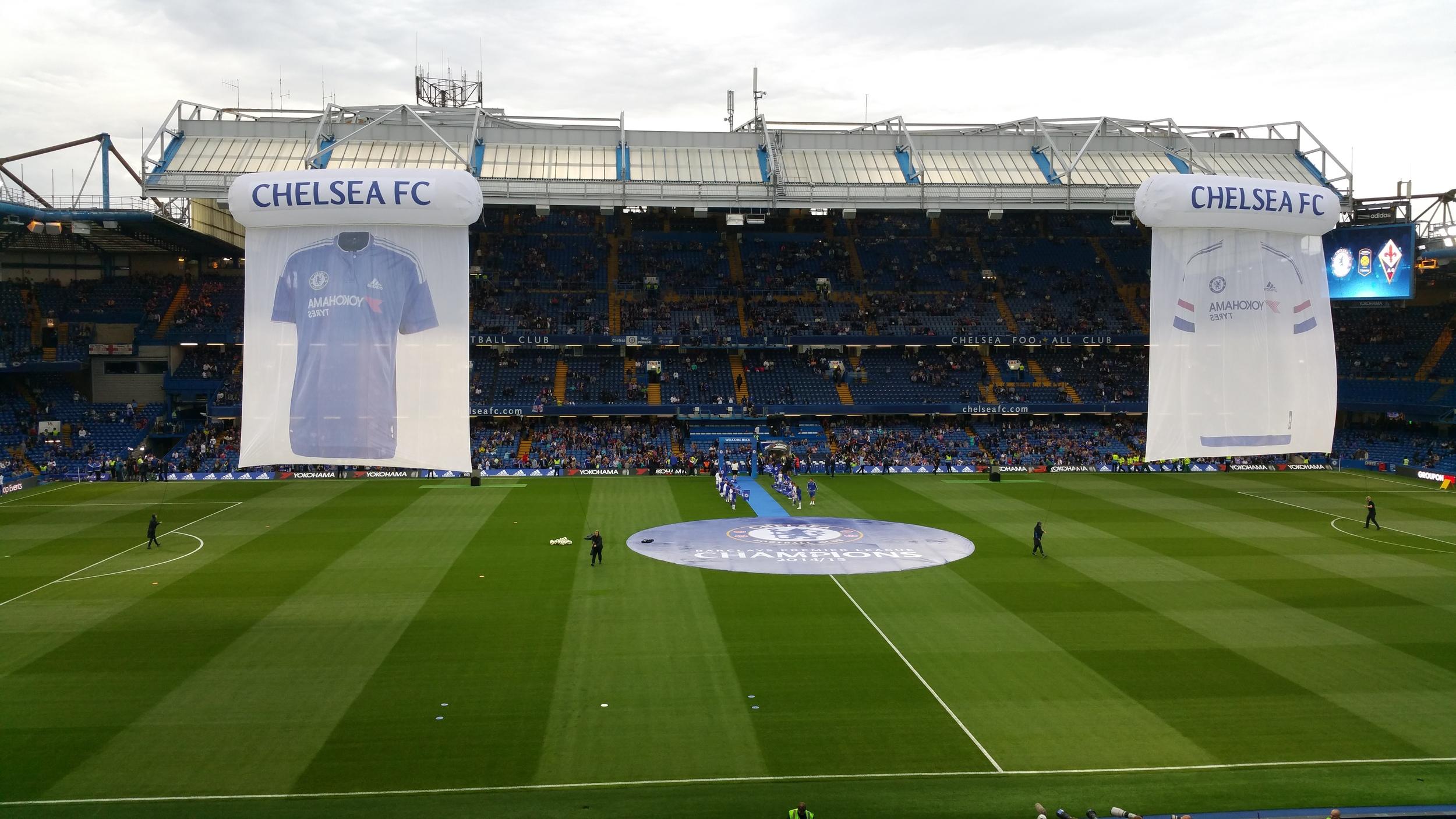 Bild: feierliche Trikotsponsorvorstellung vom 4. August 2015 im Stadion an der Stamford Bridge in London Chelsea.