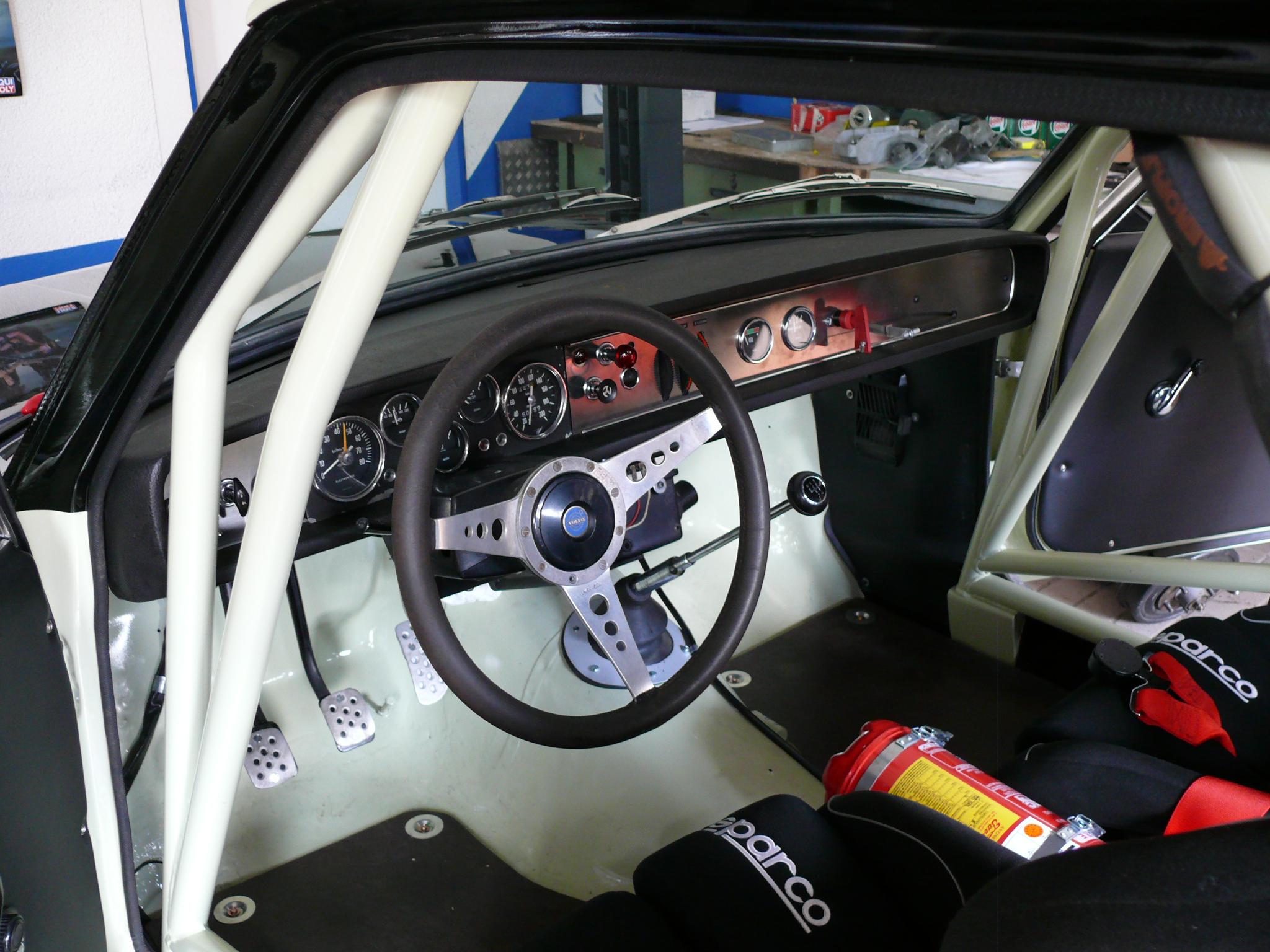 Blepp_Volvo 142_Innenraum.JPG