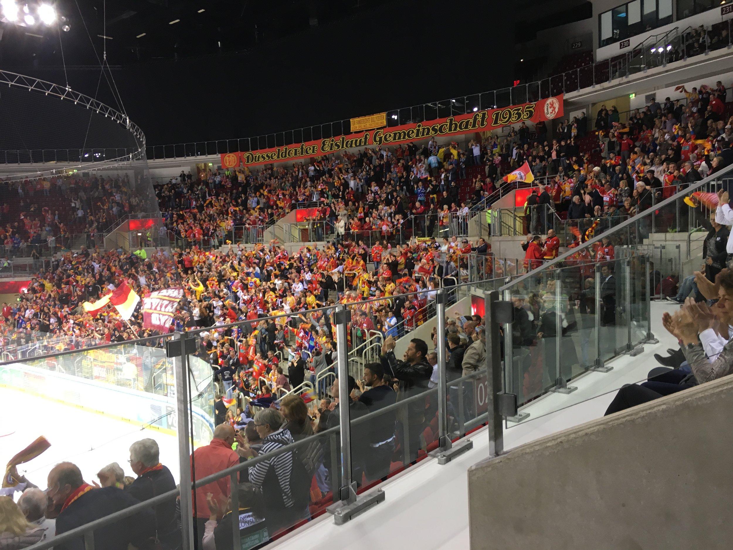 YOKOHAMA als Sponsor beim Spiel DEG vs Redbulls München im ISS Dome Düsseldorf