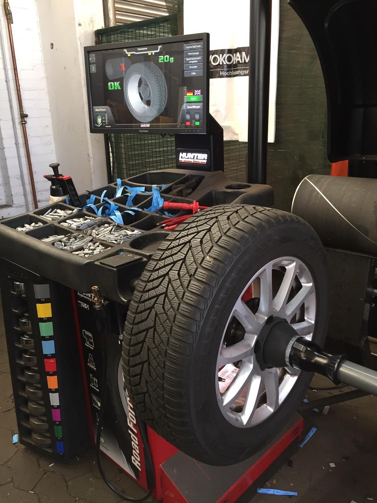 YOKOHAMA Reifen Umrüstung Wuchtmaschine