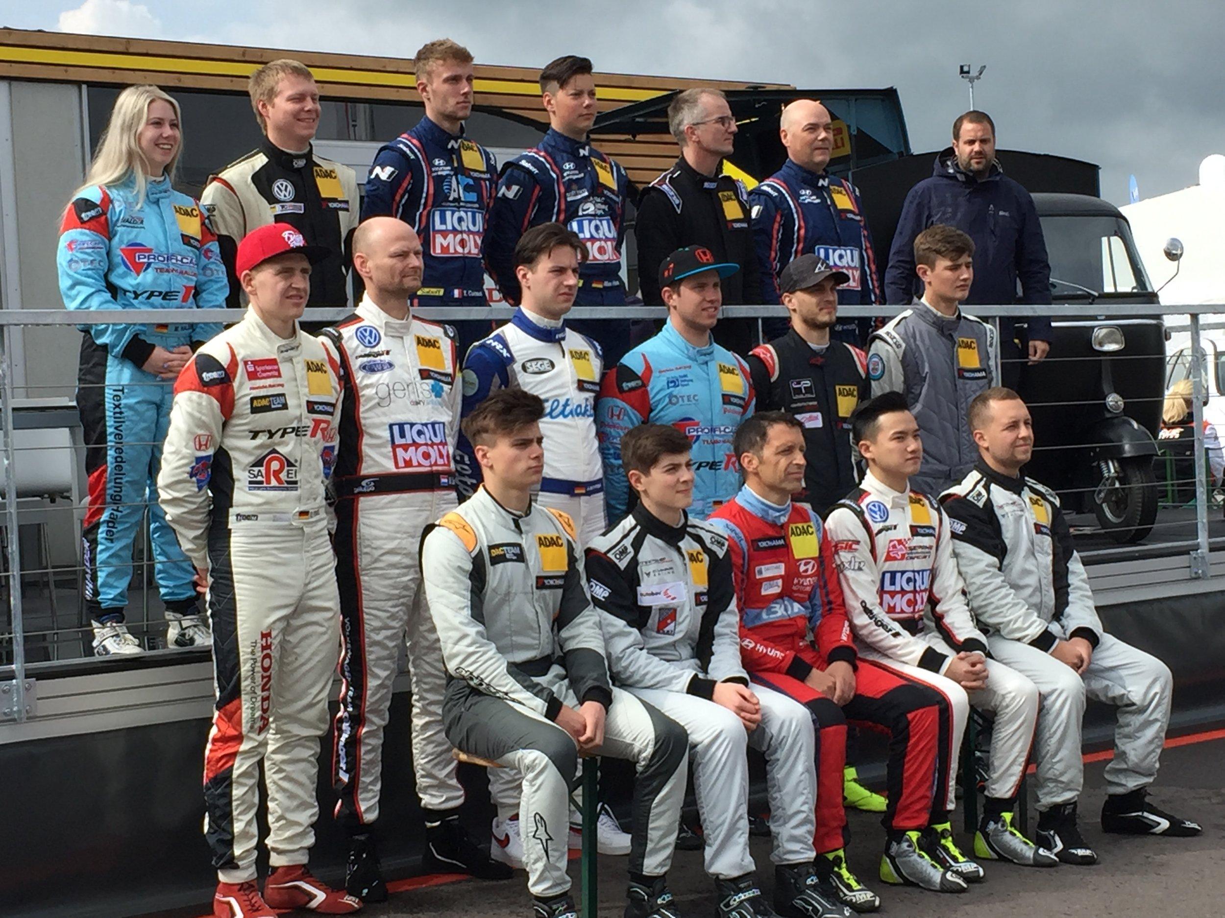 Rennfahrer und Rennfahrerinnen ADAC TCR Germany 2019