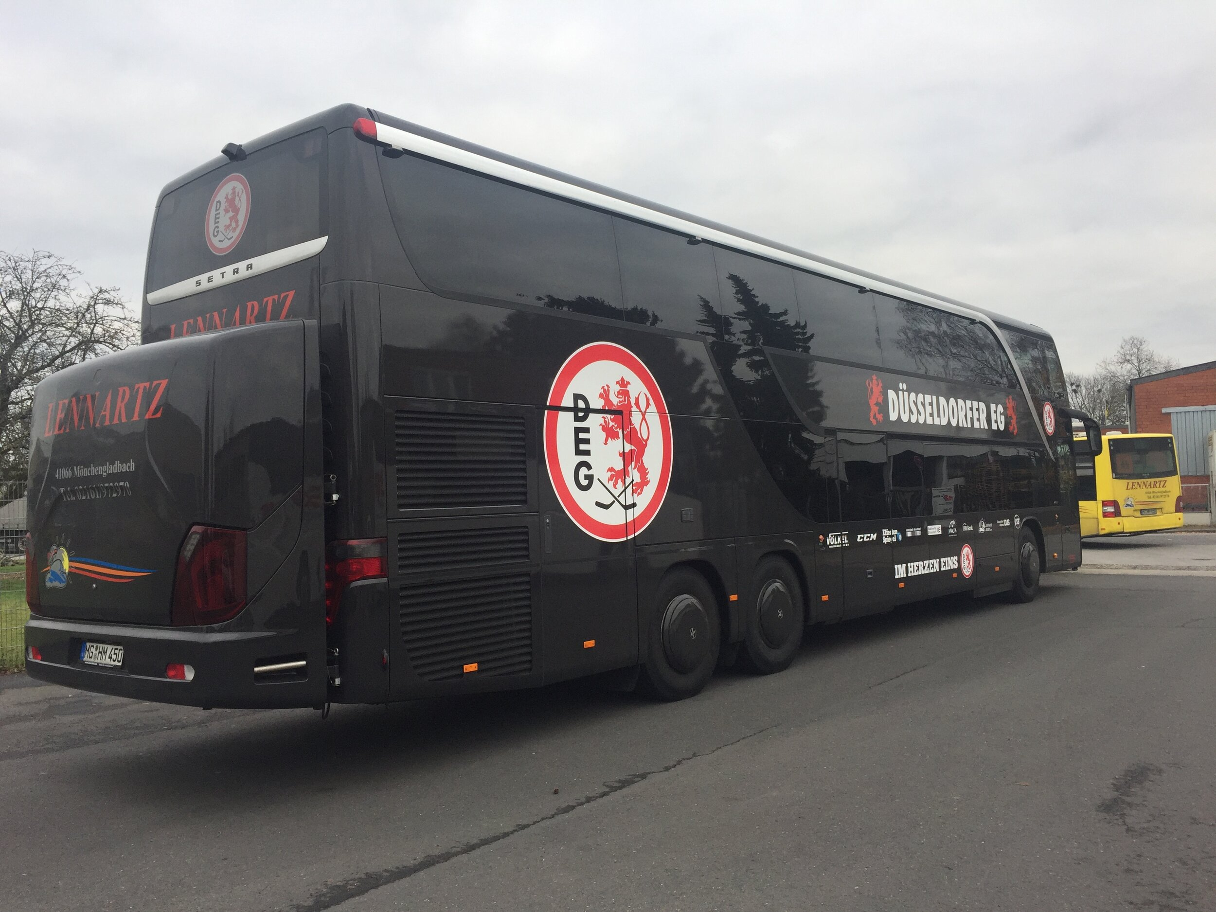 DEG Bus