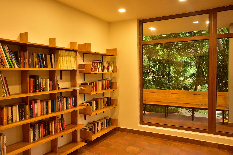 library_treehouse (6).jpg