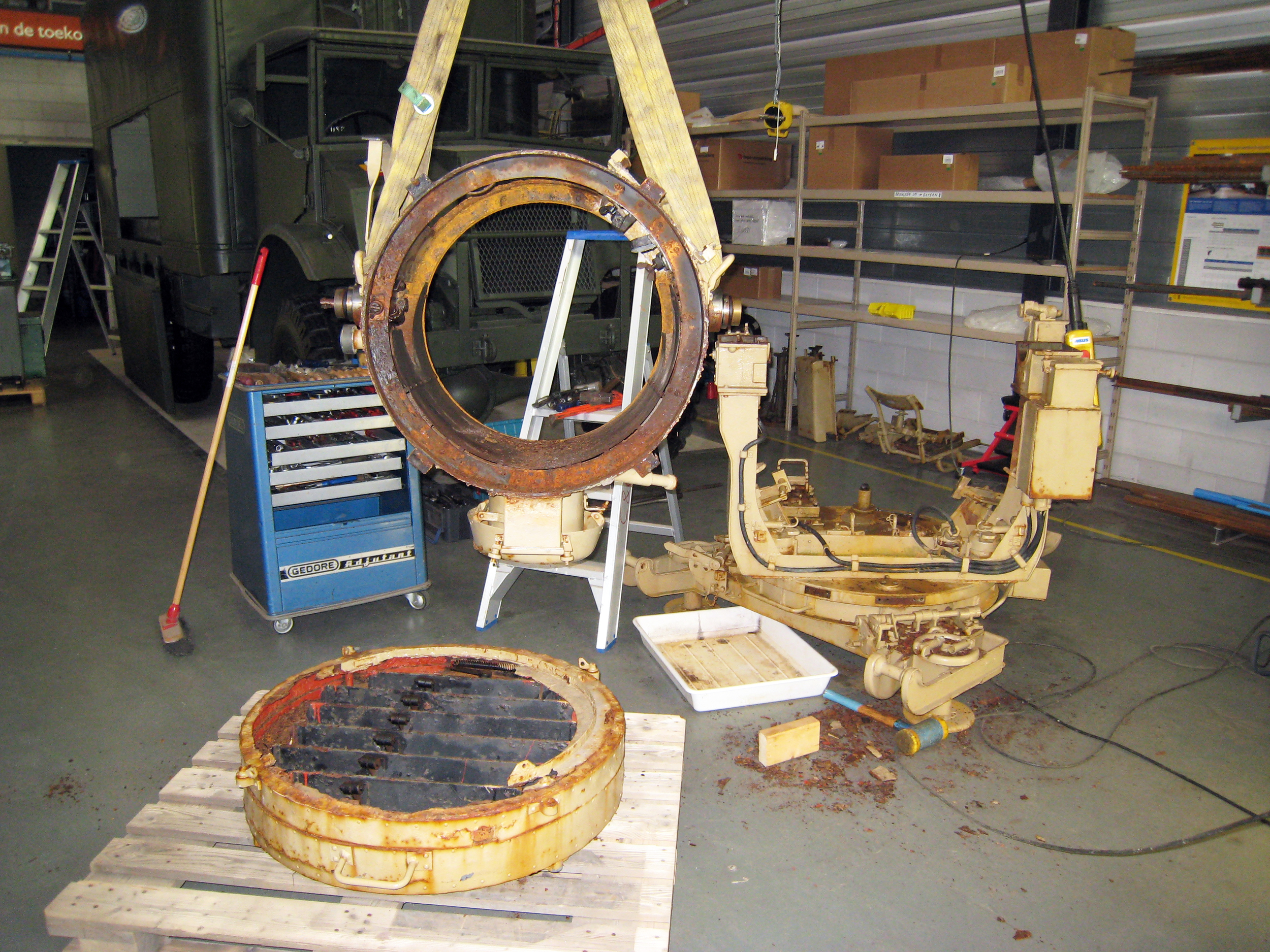 disassembly of German WW2 searchlight