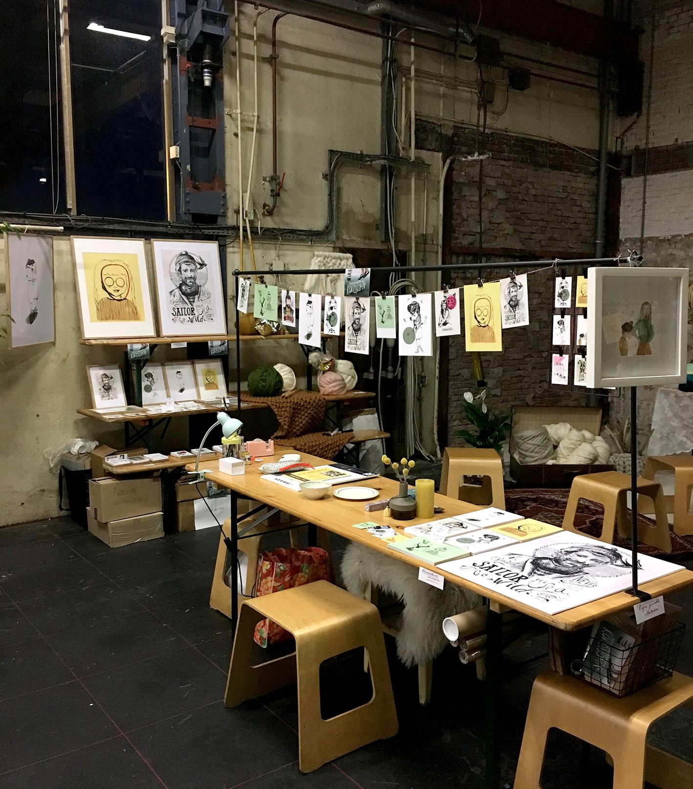 De stand, het opbouwen van het 'creative atelier' van FlavouritesLive ©darja brouwers