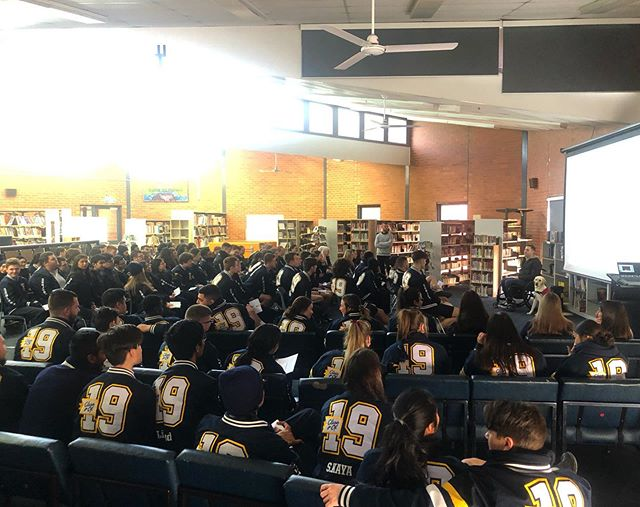 Yesterday I had the absolute pleasure to be able to share my story to the year 12 students at Epping Secondary College and open the students eyes up to perspective, resilience and adapting to change. We talked about life throwing us challenges, overcoming them and we even had a few brave students share their personal stories!! Experiences like yesterday make me so grateful for the position I'm in, having the ability to show the youth of today that life isn't supposed to be 'fair', it's a privilege and you only get out what you put in!! Good luck to the students on the upcoming exams and the next phase of their life👊🏻👊🏻 #publicspeaking #publicspeaker #quadriplegic #spinalcordinjury #quad #sci #paralysis #paralysed #c5quad #schooltalks