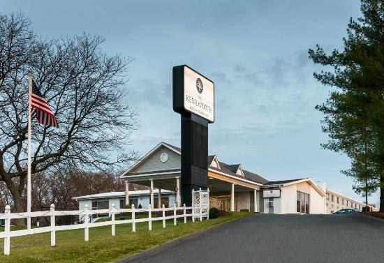The Kenilworth Hotel is easily accessed off Exit 138 on the Garden State Parkway.
