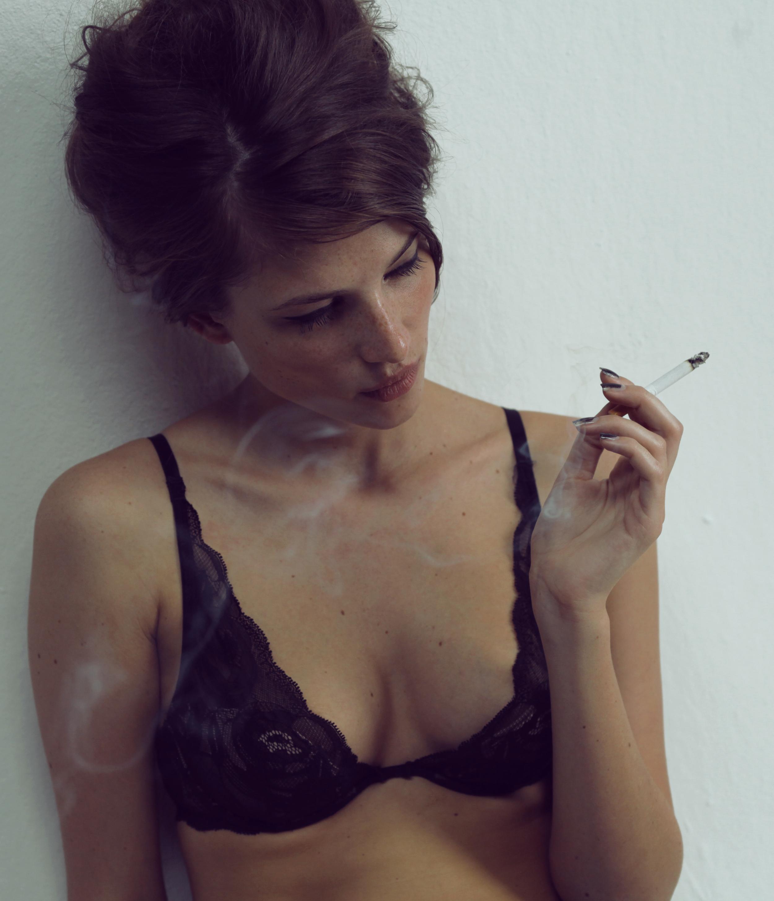 Janine smoking colour IMG_4908.jpg