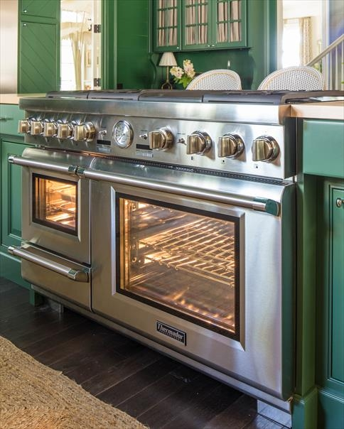 The Thermador dual fuel steam range