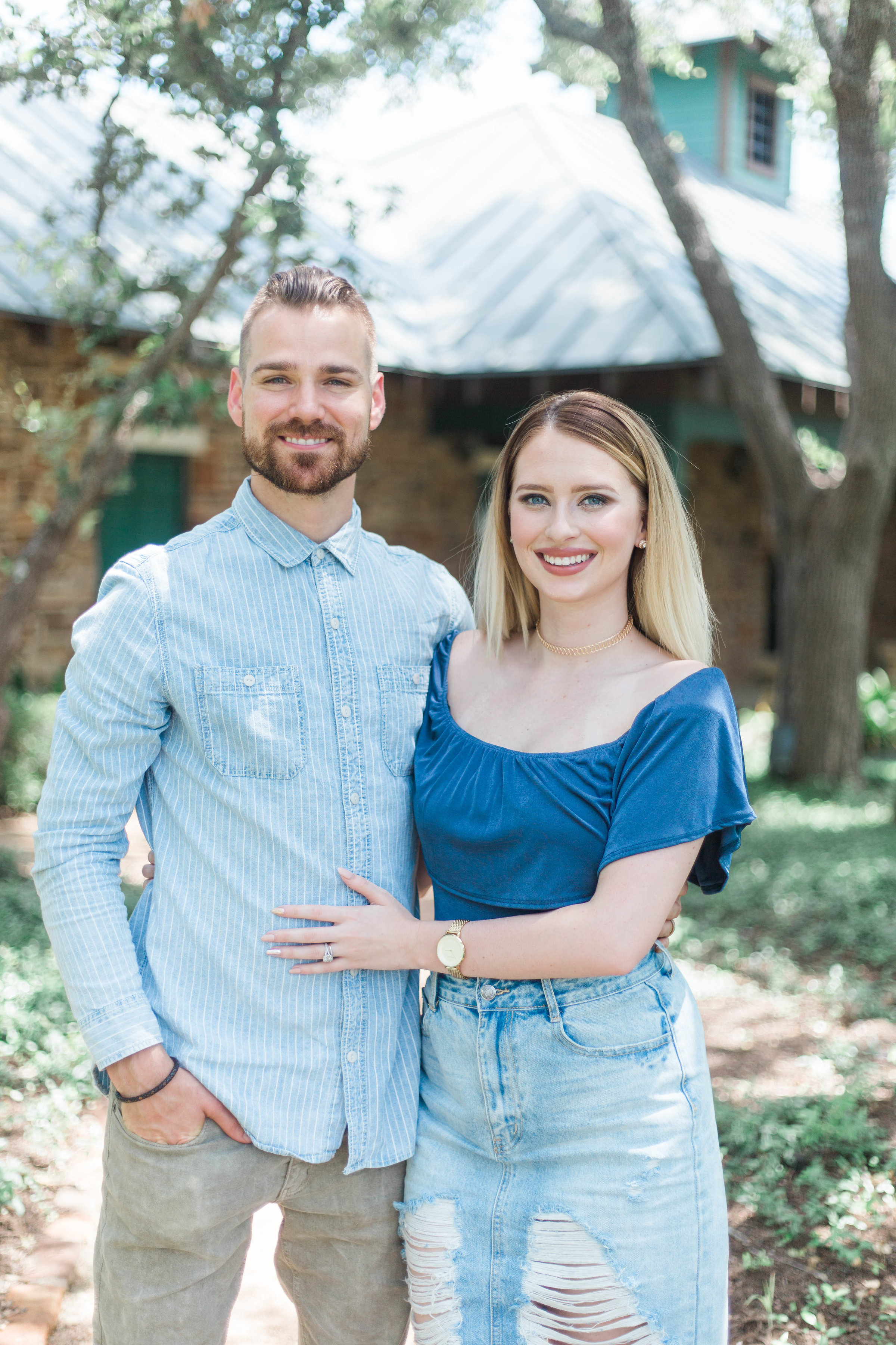 Aaron & Candace Campbell  Worship Pastor & Children's Pastor   Aaron is our Worship Pastor. Candace is our Children's Pastor overseeing all ages from birth to fifth grade. Together they have a passion for raising up leaders and pouring into the next generation!