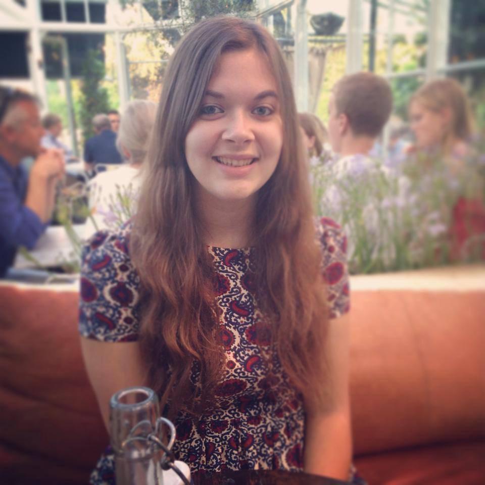 Louise Gordon Profile Pic.jpg