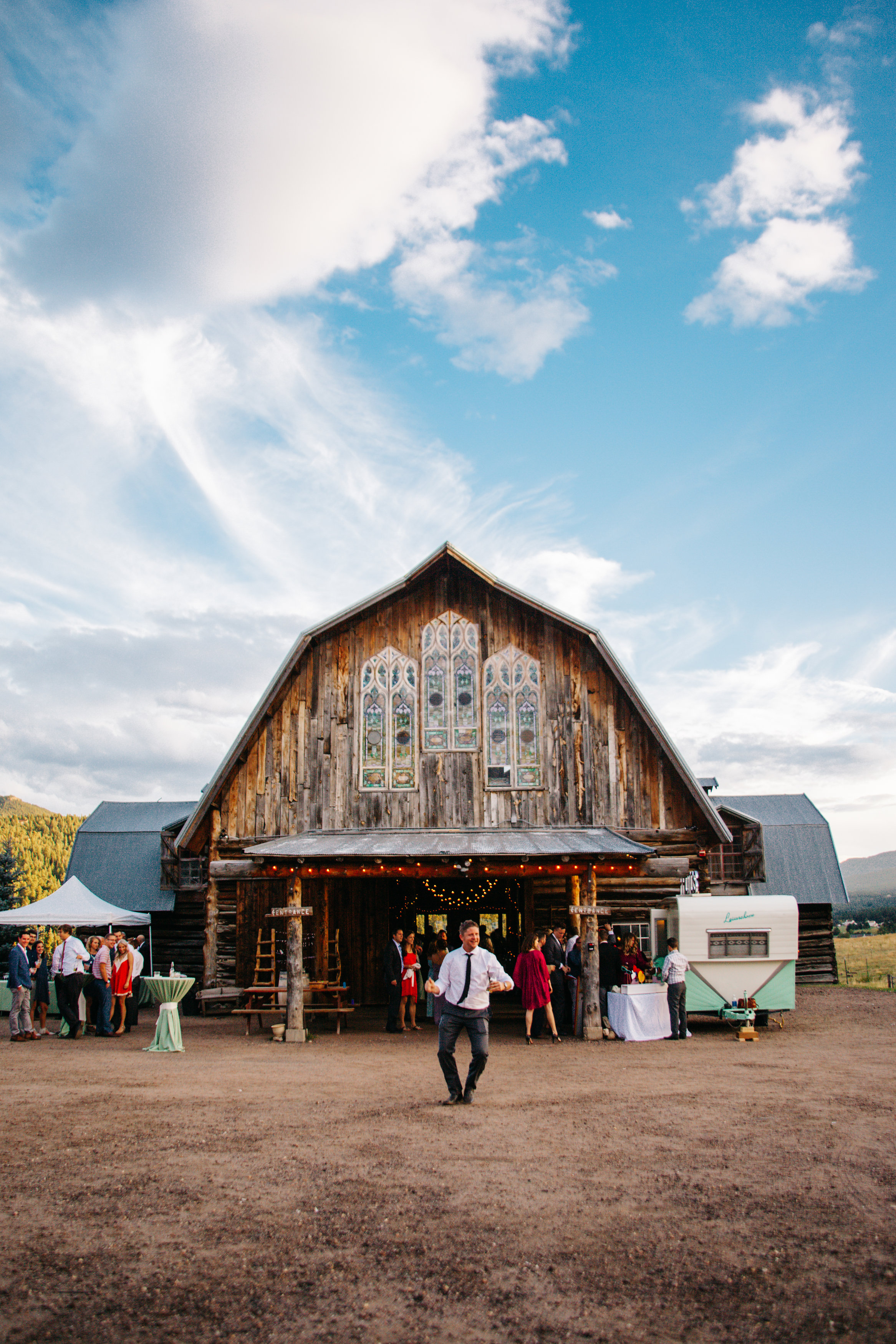 evergreen_barn_wedding_photos_mountain_wedding_photographer_courtney&kirby_3926.jpg