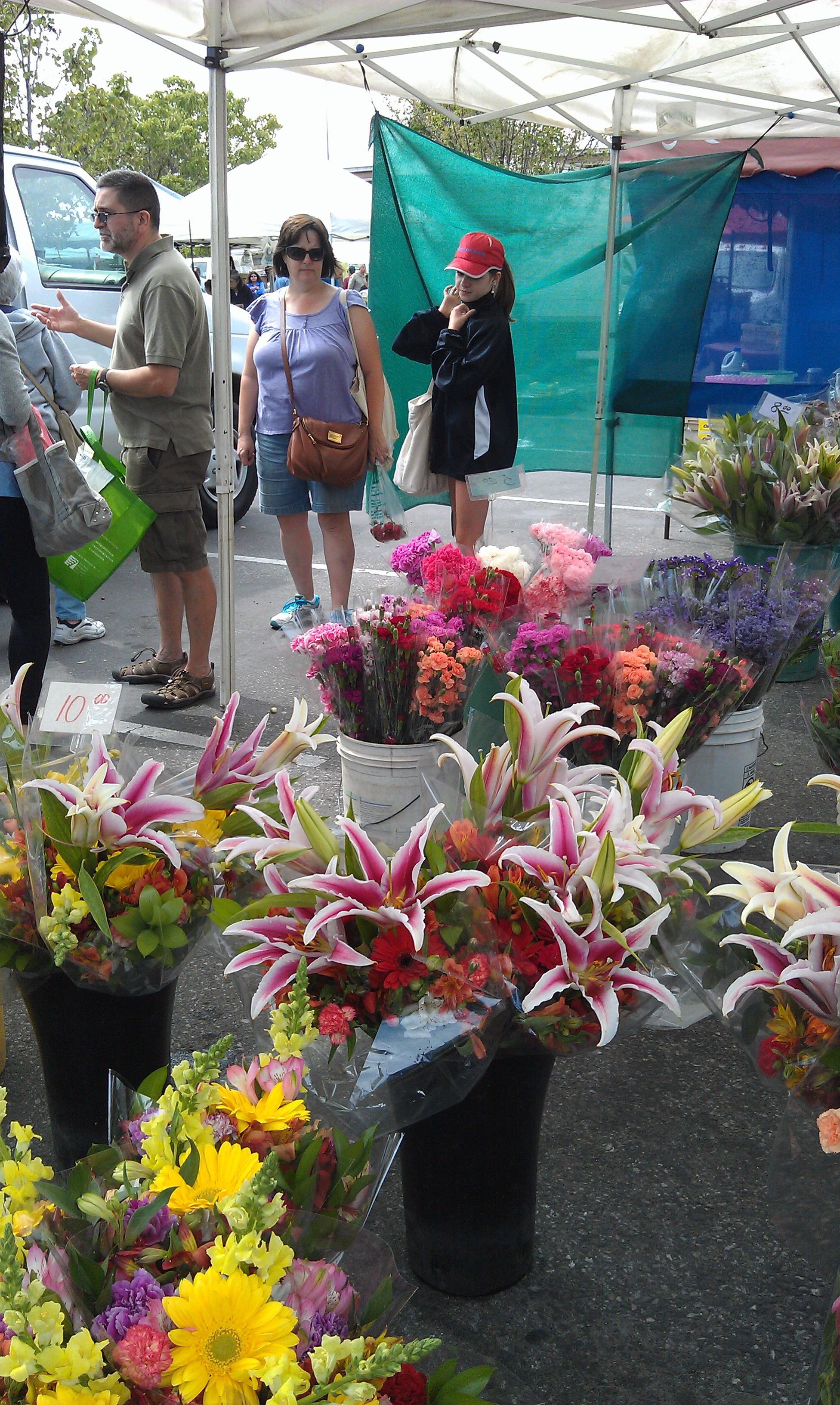 Flowers at San Jose Blossom Hill Farmers' Market