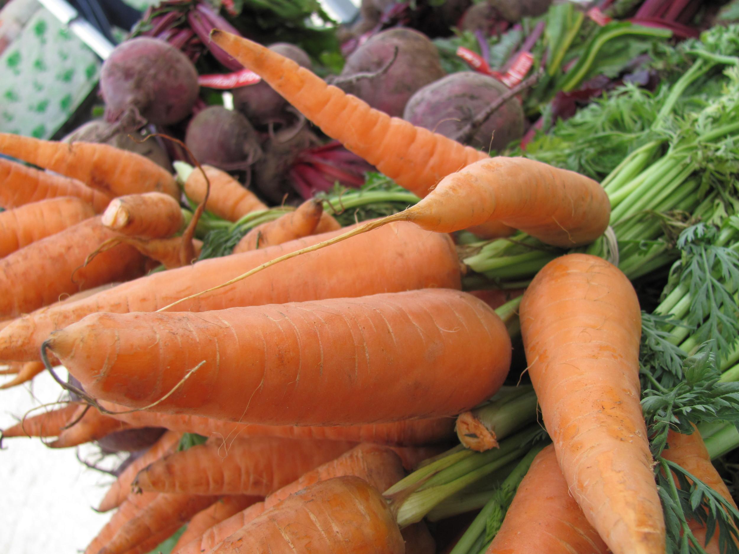Saratoga Farmers Market carrots