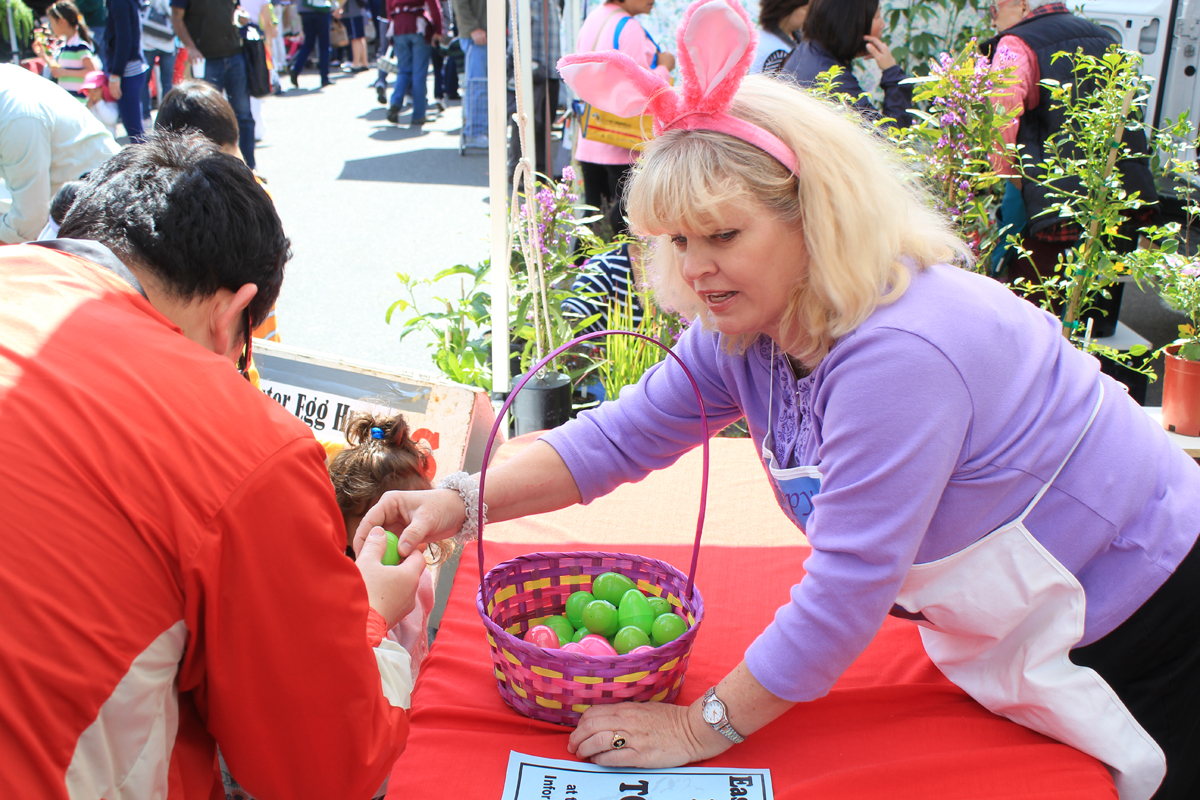 MountainViewFarmersMarketEaster2011.jpg