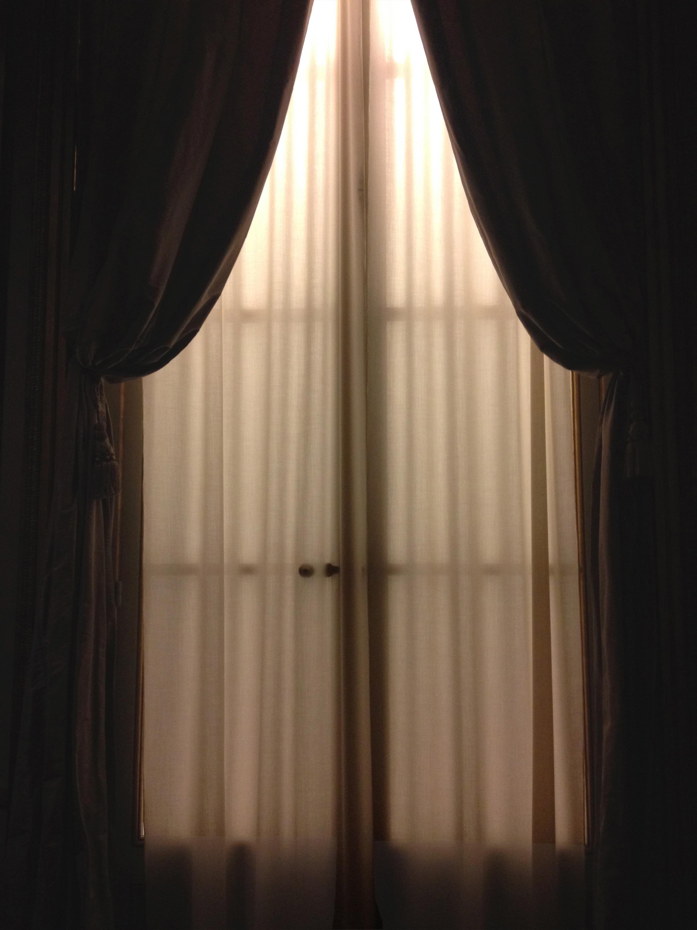 PSed curtain vibrance+brightcontrast.jpg
