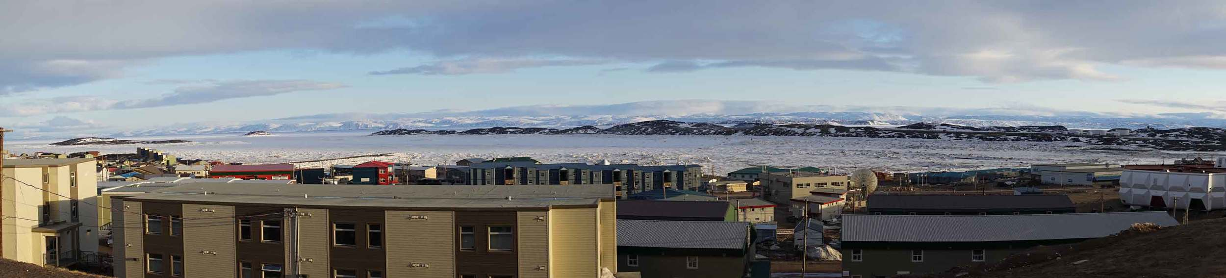 ©Christine-Montague-Iqaluit-panorama