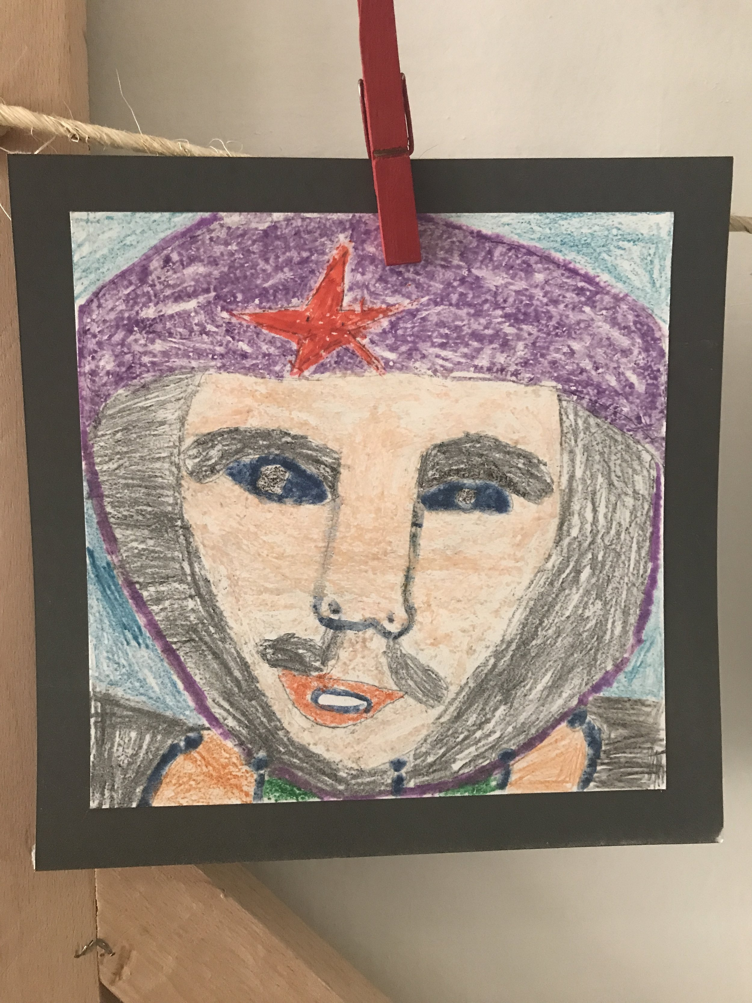 A kids crayon drawing of national hero Ché Guevara.