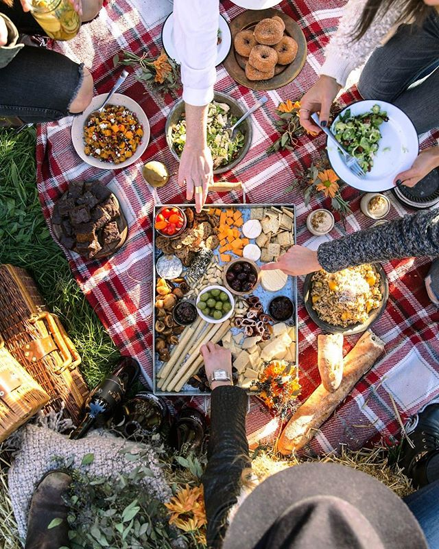 Join us in the park this Saturday for a potluck picnic! See you at 1:15pm (after the noon service)! 🥪🧺⚽️