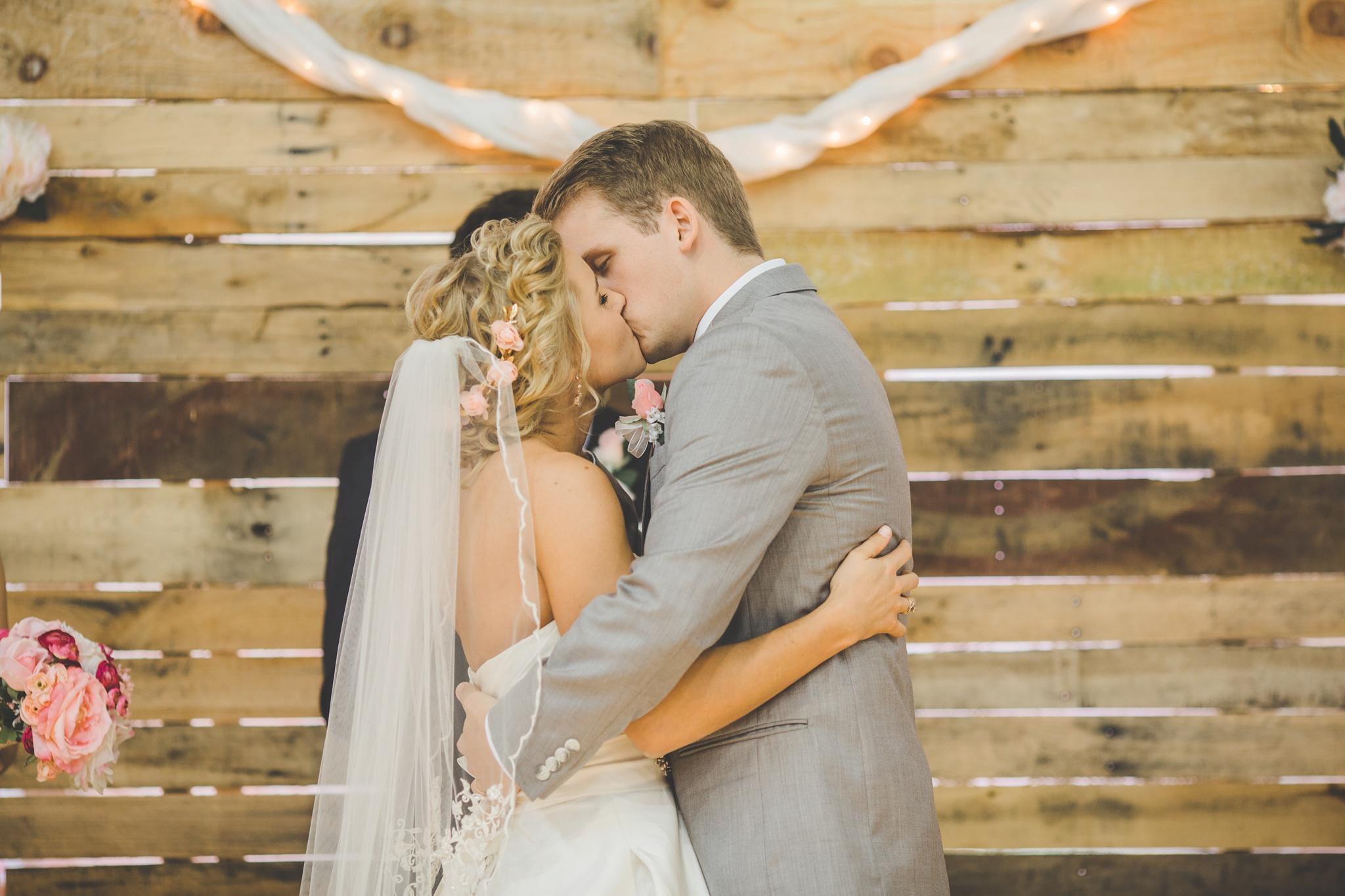 Louisville Wedding Photographer | Fall Wedding_0044.jpg