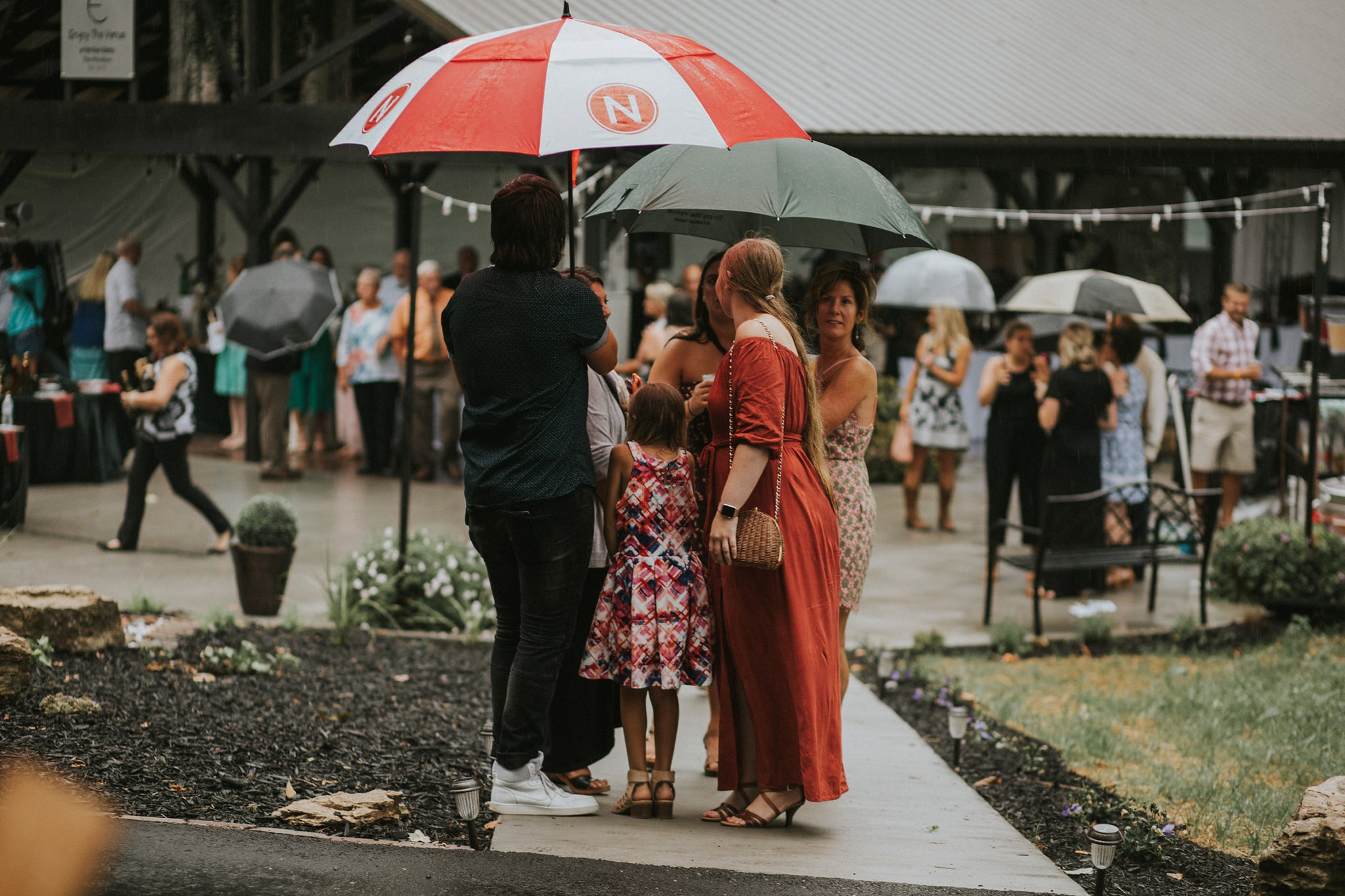 Southern-Indiana-Rainy-Outdoor-Wedding-Photos_0034.jpg