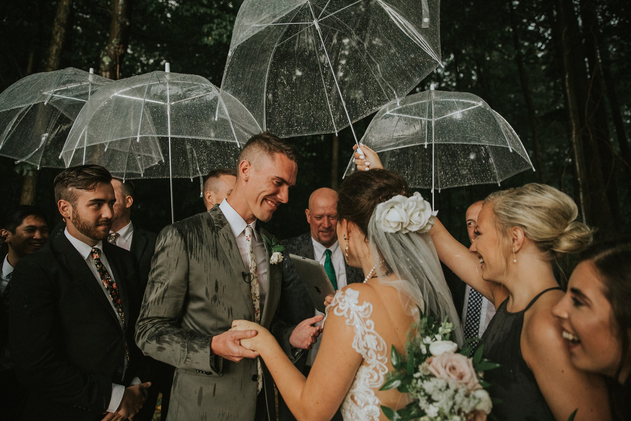 Southern-Indiana-Rainy-Outdoor-Wedding-Photos_0038.jpg