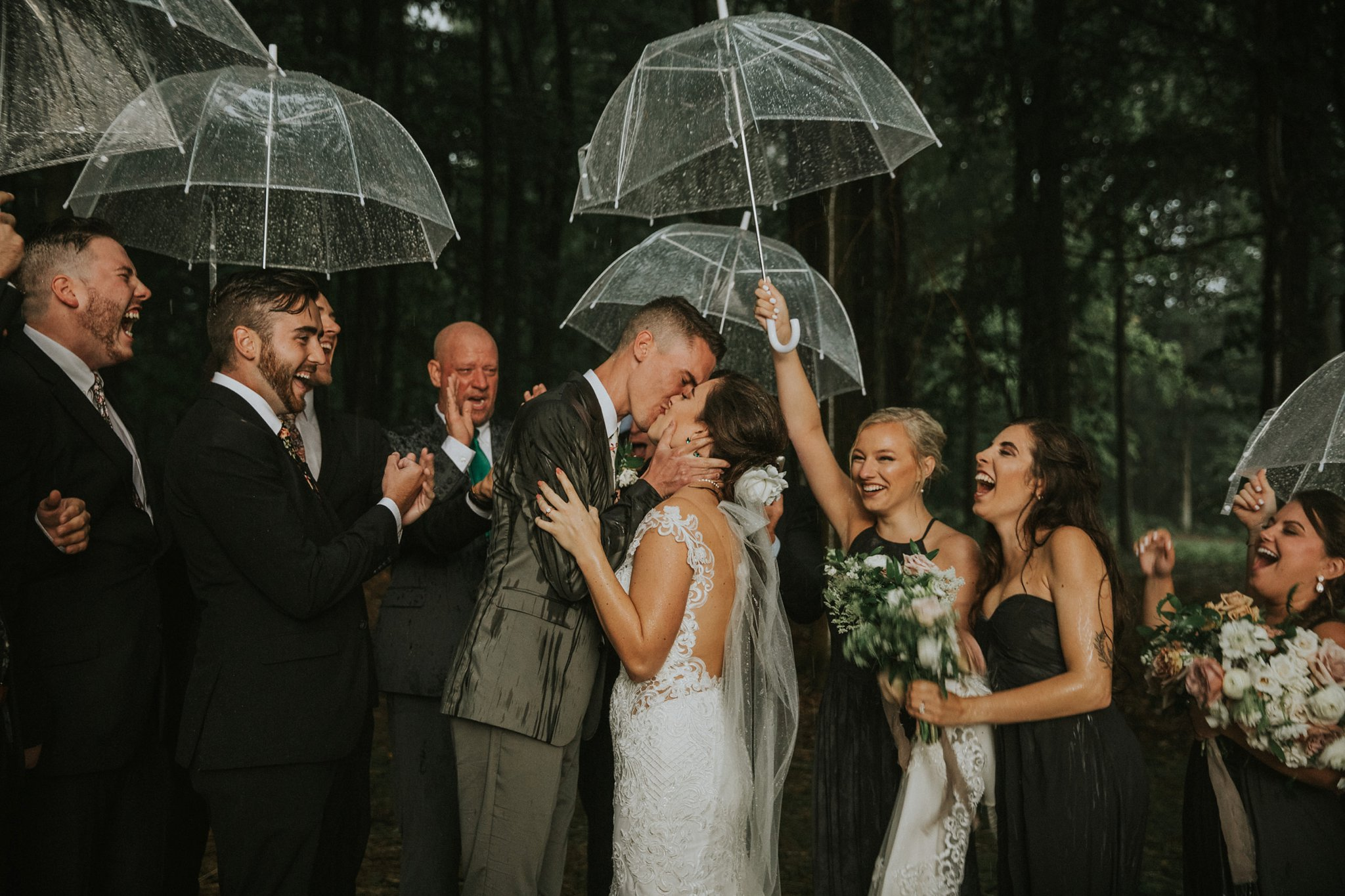 Southern-Indiana-Rainy-Outdoor-Wedding-Photos_0041.jpg