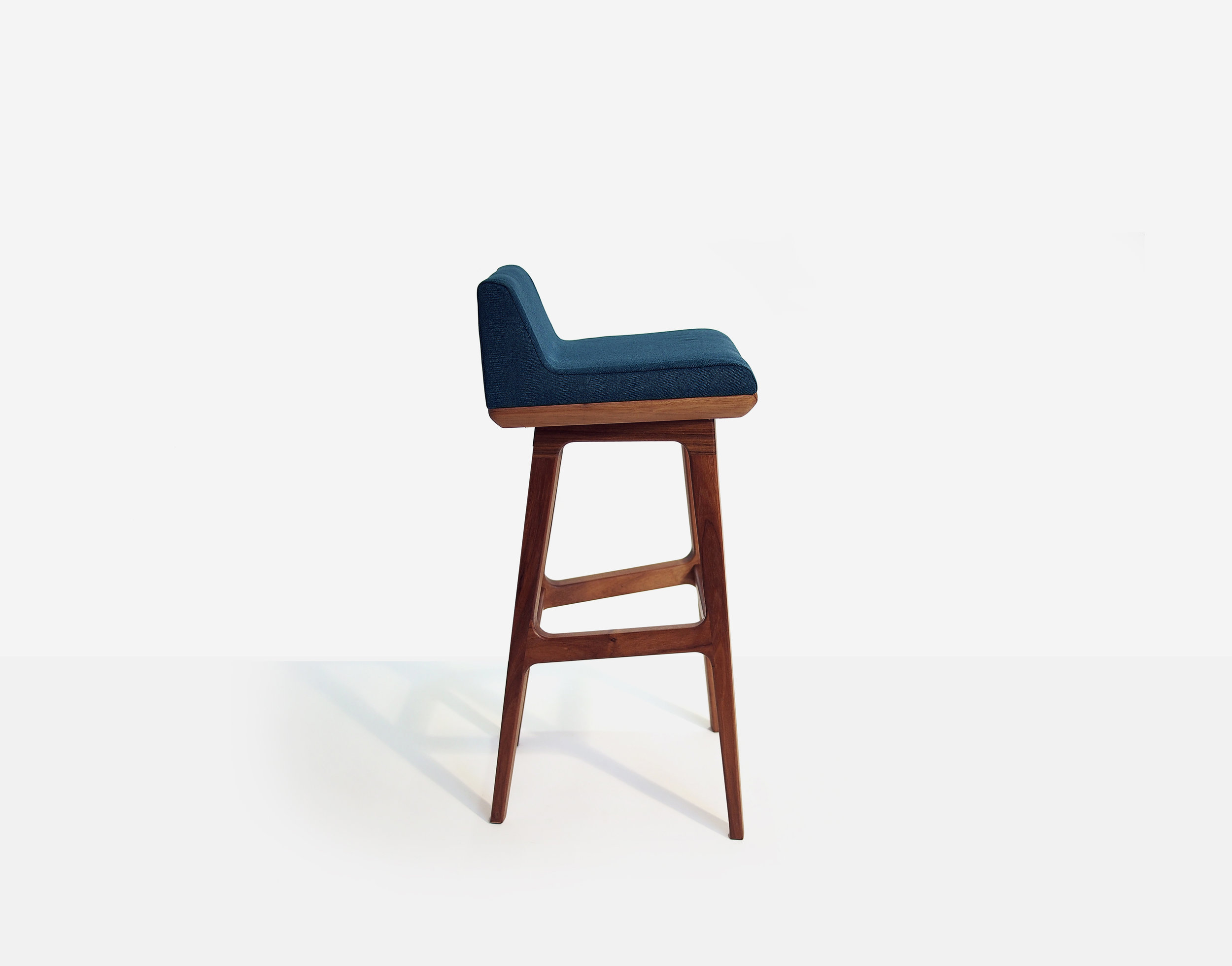 LIMANTOUR STOOL