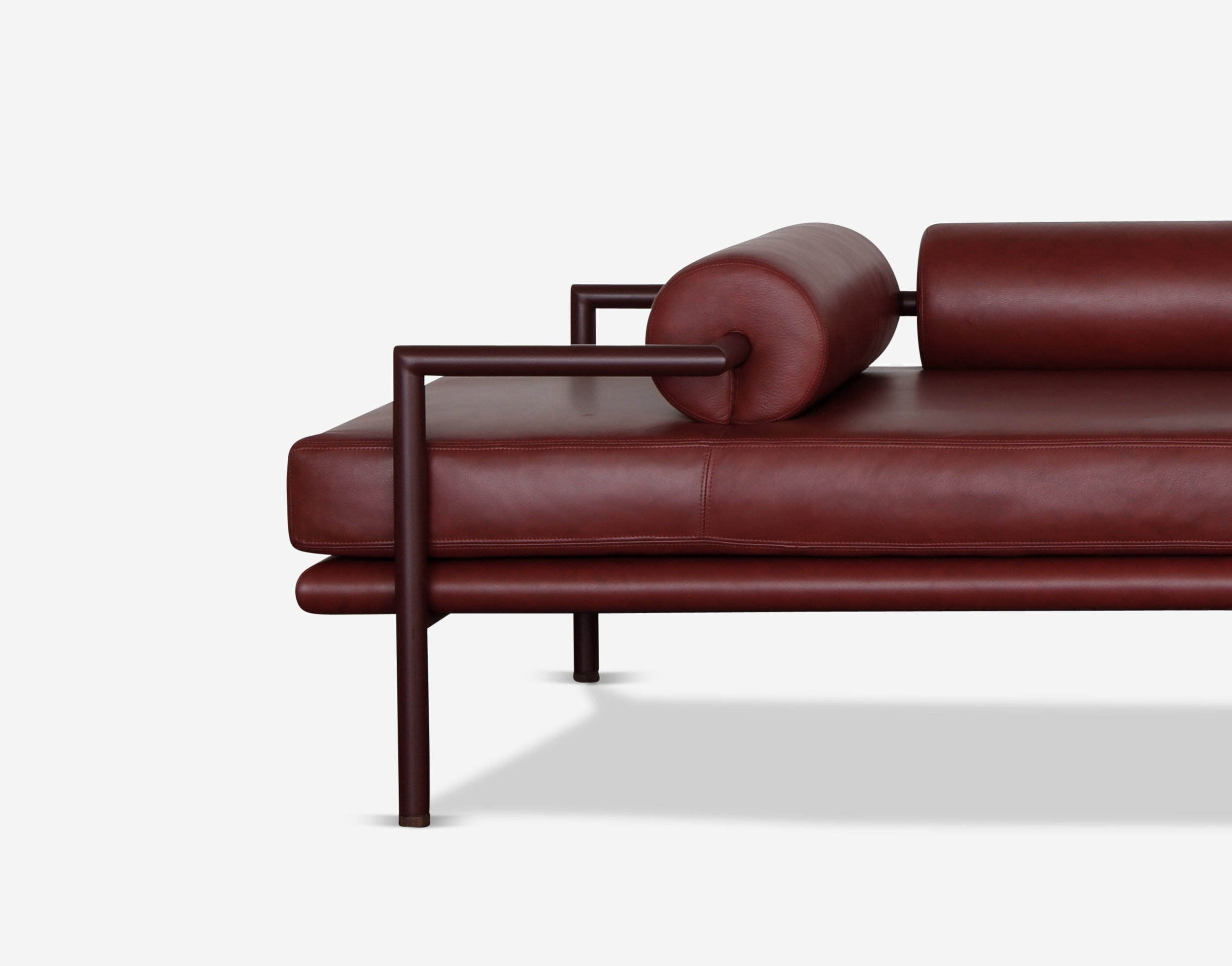 Luteca_JI_Dorcia -Daybed_Red Leather_D-W.jpg