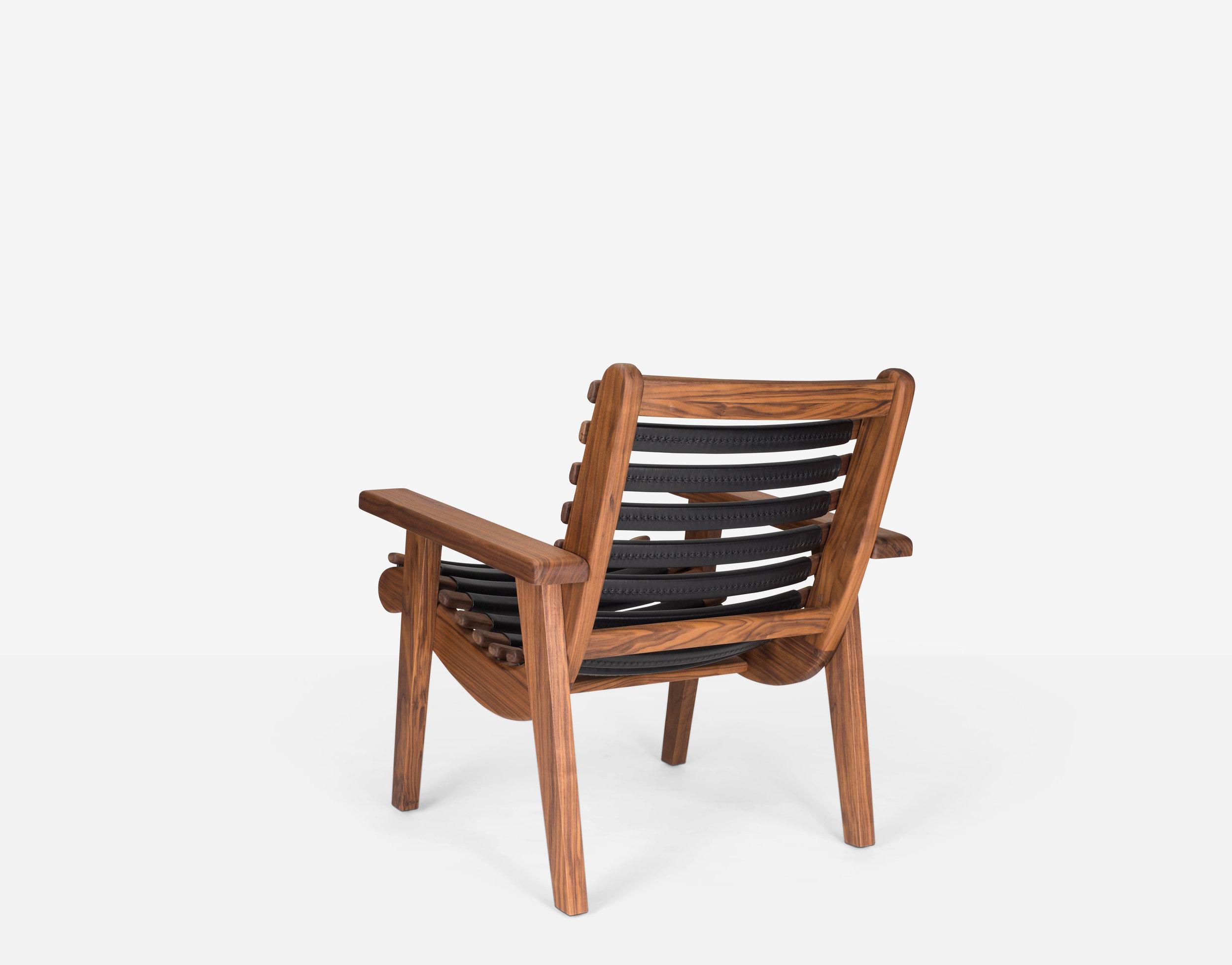 Luteca_MvB_San Miguelito-Armchair_Black-Leather_Walnut_BP-W.jpg