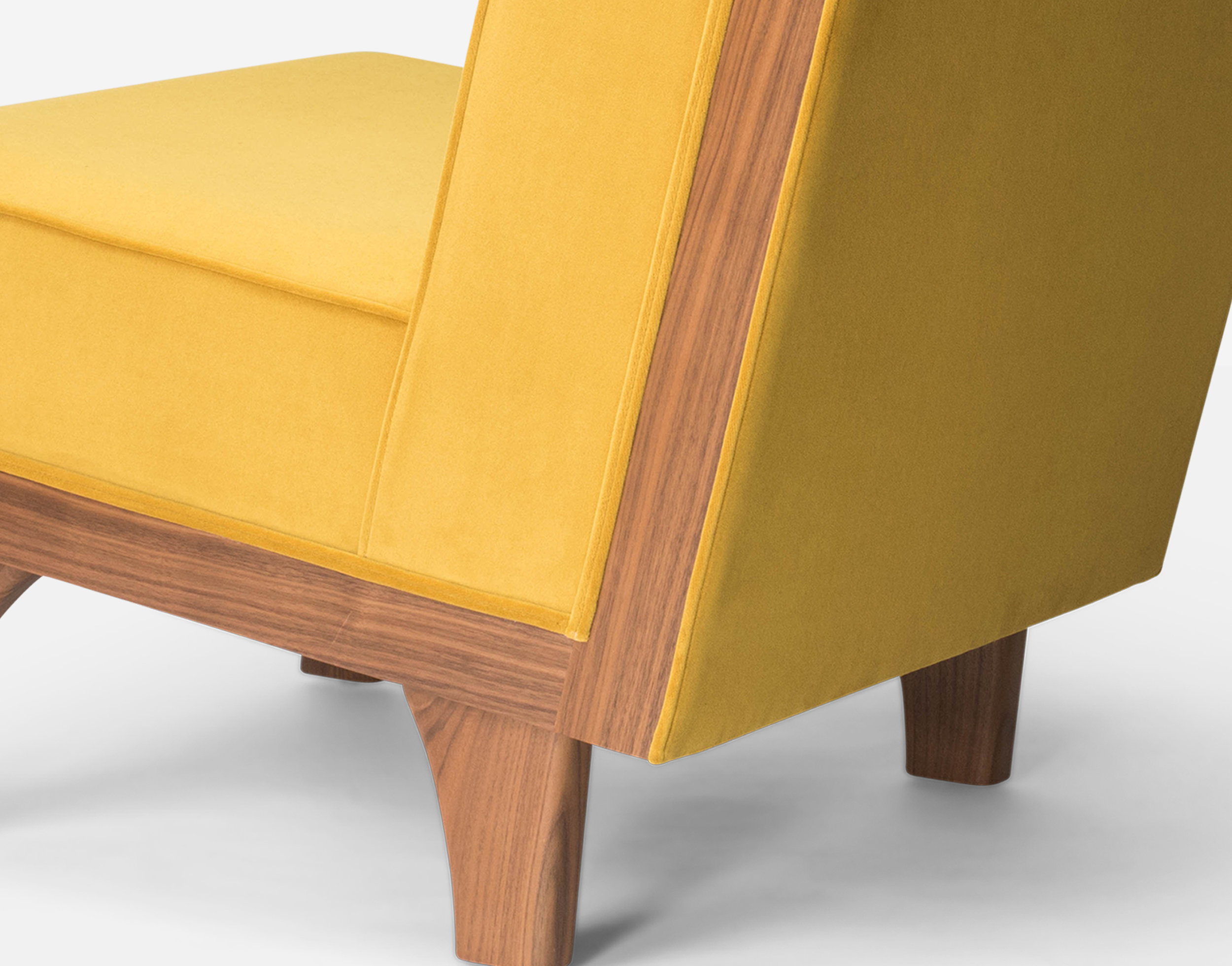 Luteca_MvB_Line-Lounge Chair_Yellow-Velvet_Walnut_D-W.jpg