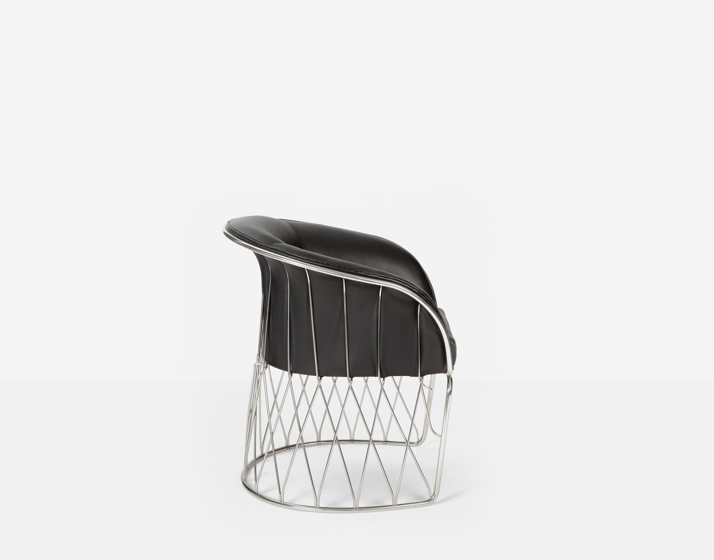 Luteca_PRV_Equipal-Chair_Black-Leather-Chrome_S-W.jpg