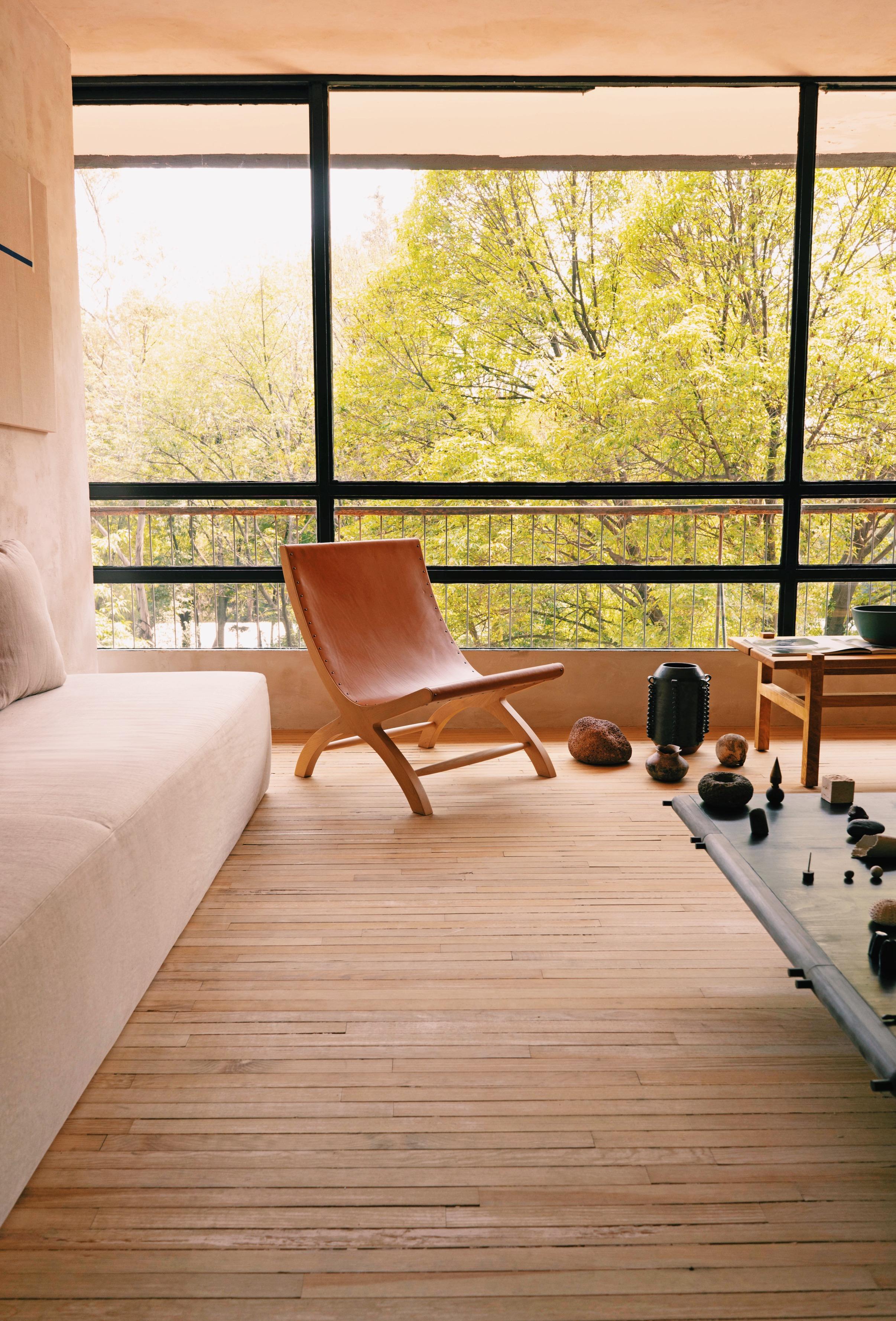Luteca-CP-Butaque_Lounge_Chair-Natural_Hide-Birch_Wood_W.JPG