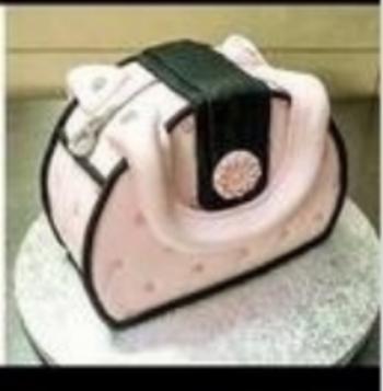 Class 3 -  Evening Session.   Fondant Skills.  Chanel Inspired Purse Cake