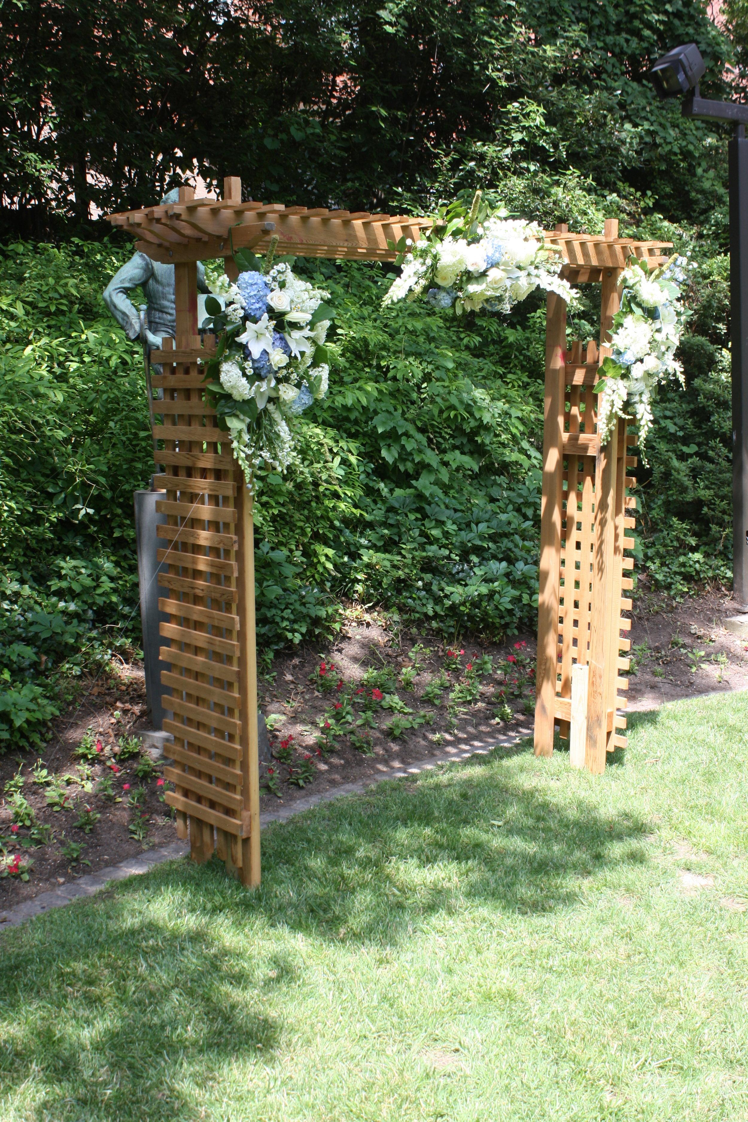 Cedar Arch with 3 bouquets.jpg
