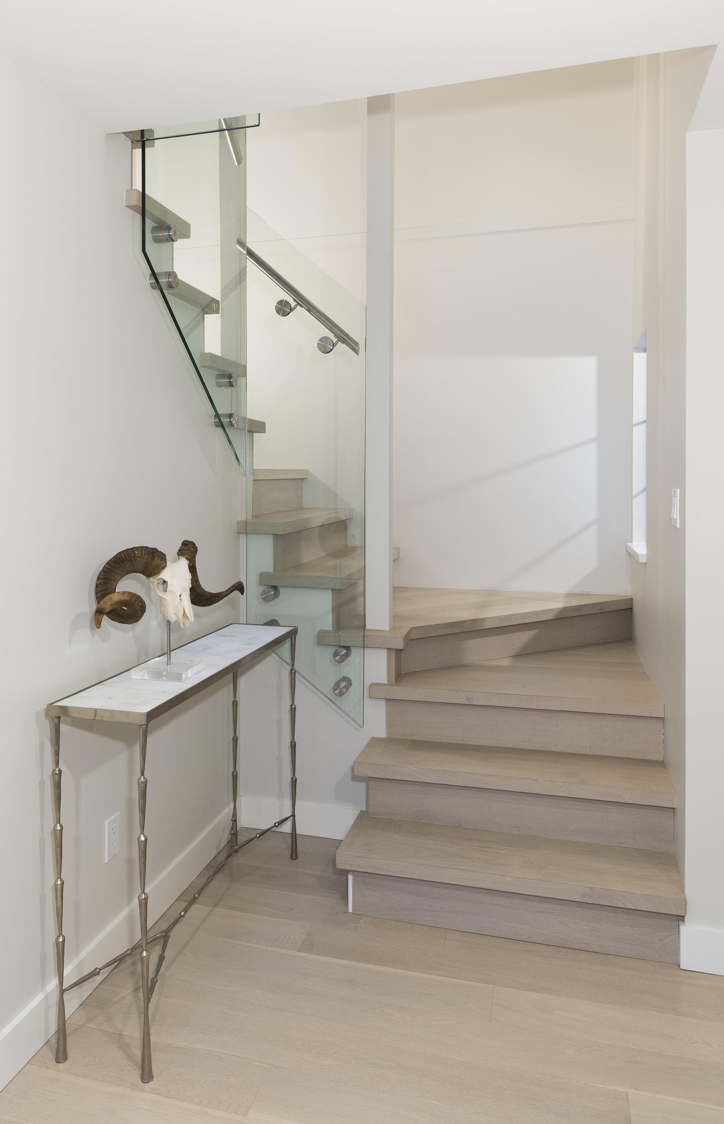 3639W2-Stairs-01A.jpg
