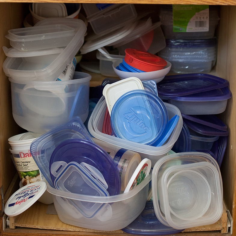 how-to-organize-tupperware.jpg