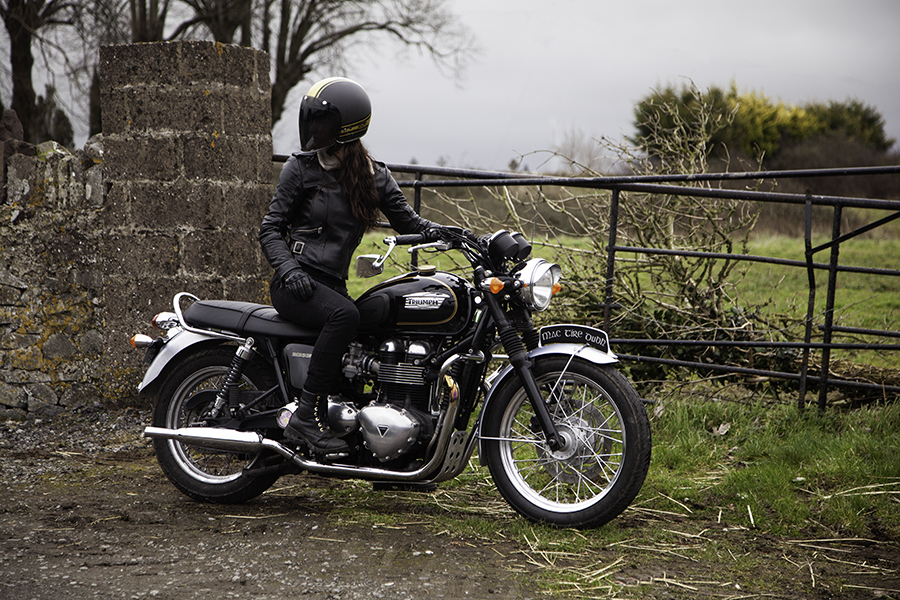 Kojii Helnwein on Triumph T100 SE by Cyril Helnwein _MG_6529 small.jpg