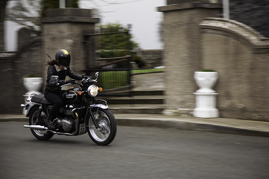 Kojii Helnwein on Triumph T100 SE by Cyril Helnwein_MG_6445 small.jpg