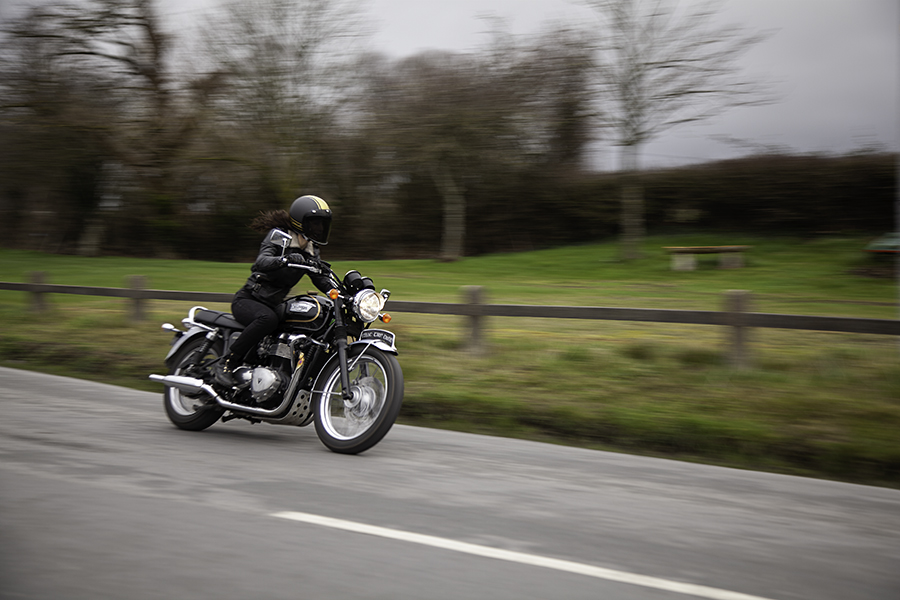 Kojii Helnwein on Triumph T100 SE by Cyril Helnwein_MG_6486 small.jpg