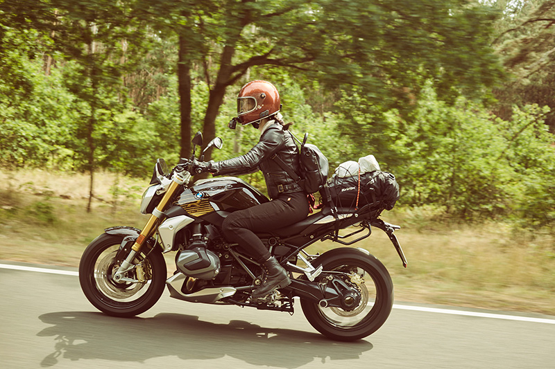 Kojii-Helnwein-on-BMW-r12502-at-Petrolettes-by-Caylee-Hankins_-2019-img_1482-small.jpg