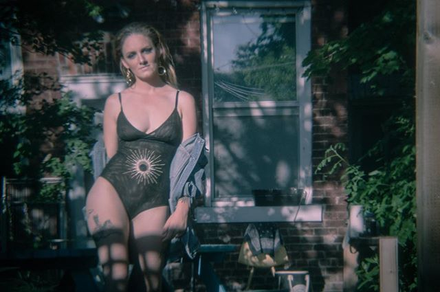 Always so much fun to work with @lorettelingerie and it was a pleasure meeting the kickass @jazrex and her cute doggie. This shot was taken with a a #plastic #pinhole #holga lens!