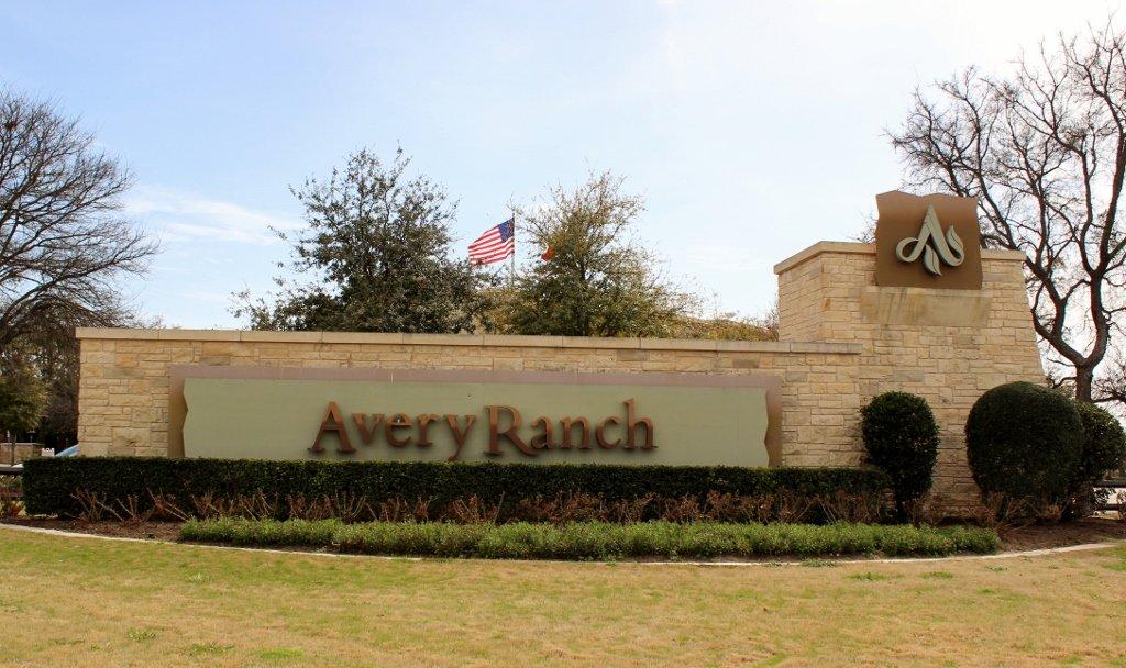 """""""Avery"""