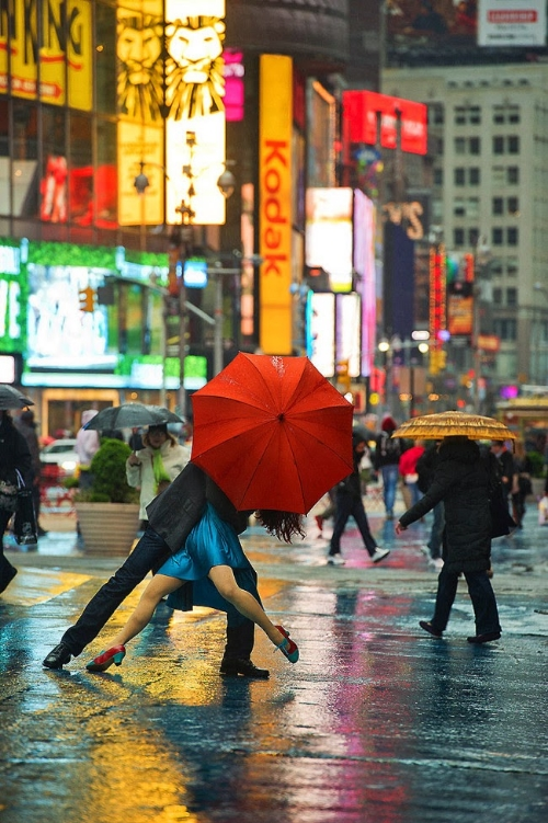 Umbrella%2BTango%2Bin%2BTimes%2BSquare.jpg