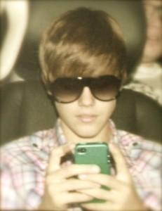 Bieber_Texting