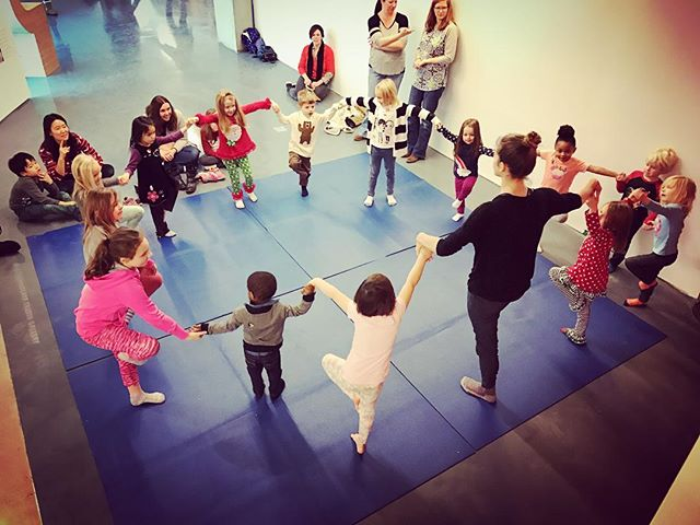 We grew a mighty forest of trees today at Thursday Art Play. 🌳🌲🌳 I'll back there next Thursday as well! 10:30am in the @cincycac UNmuseum.  Photo cred: Sam Mahan 😘 . . . . . #kidsyoga #treepose #cincycac #cac #cincinnati #contemporaryartscenter #yoga #balance