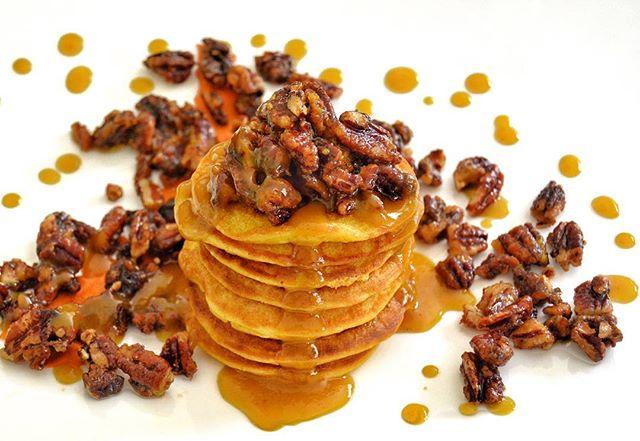 Silver Dollar Pumpkin Pancakes with Pumpkin Cream Glaze enveloped in Maple Roasted Pecans! Absolutely delicious 😊 Contact info in bio.👩🏾🍳#vegan #plantbased #pumpkin #pecans #seasonal #pumpkinspice #whatveganseat #vegansofig #vegansofinstagram #veganlosangeles #socal #losangeles #kembaskitchen #brunchseason #brunch #breakfast