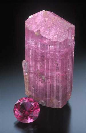 Classic rubellite, pink tourmaline  from Pala district, Stewart Lithia Mine, San Diego County. (Photo: Jeff Scovil)