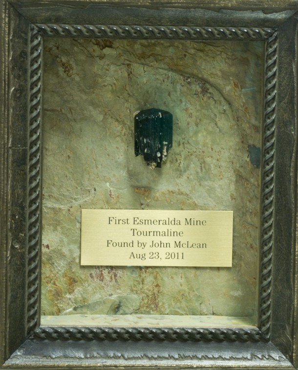 For another image of the specimen, see  On the Road to the Esmeralda Mine .