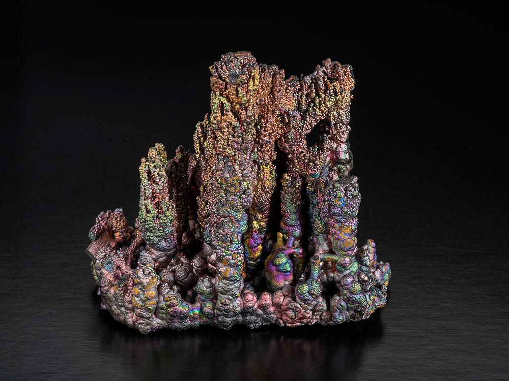Un Spécimen Andalou. Goethite from Filón Sur Mine, Tharsis, Alosno, Huelva, Andalusia, Spain, 11 x 12 x 6 cm. This specimen has been sold. (Photo: Robert Weldon)
